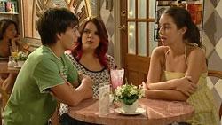 Zeke Kinski, Bree Timmins, Louise Carpenter (Lolly) in Neighbours Episode 5245