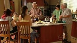 Bree Timmins, Kerry Mangel (baby), Louise Carpenter (Lolly), Harold Bishop, Zeke Kinski, Lou Carpenter in Neighbours Episode 5245