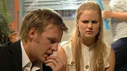 Oliver Barnes, Elle Robinson in Neighbours Episode 5247