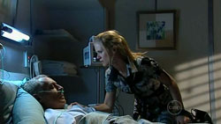 Alan Napier, Elle Robinson in Neighbours Episode 5247