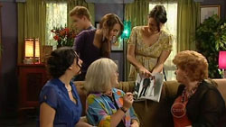 Lucia Cammeniti, Ringo Brown, Carmella Cammeniti, Rosie Cammeniti in Neighbours Episode 5247