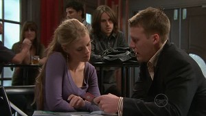 Elle Robinson, Riley Parker, Oliver Barnes in Neighbours Episode 5309