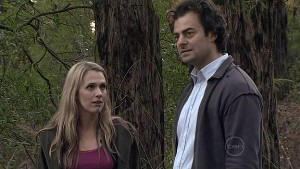 Laura Davidson, Nick Thompson in Neighbours Episode 5319