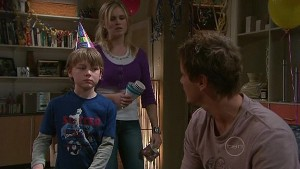 Mickey Gannon, Janae Timmins, Ned Parker in Neighbours Episode 5320