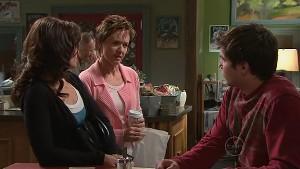 Rebecca Napier, Susan Kennedy, Declan Napier in Neighbours Episode 5321