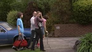 Riley Parker, Steve Parker, Miranda Parker, Bridget Parker in Neighbours Episode 5321