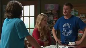 Riley Parker, Elle Robinson, Oliver Barnes in Neighbours Episode 5323