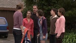 Miranda Parker, Rachel Kinski, Karl Kennedy, Bridget Parker, Zeke Kinski, Susan Kennedy in Neighbours Episode 5323
