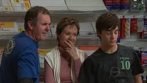 Karl Kennedy, Susan Kennedy, Zeke Kinski in Neighbours Episode 5323