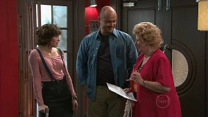 Bridget Parker, Steve Parker, Valda Sheergold in Neighbours Episode 5329