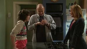Bridget Parker, Steve Parker, Miranda Parker in Neighbours Episode 5331
