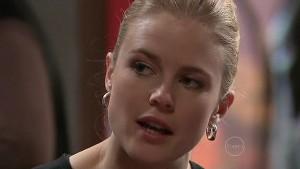 Elle Robinson in Neighbours Episode 5335