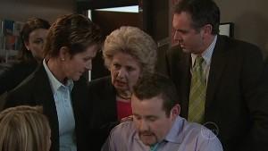 Susan Kennedy, Valda Sheergold, Toadie Rebecchi, Karl Kennedy in Neighbours Episode 5338