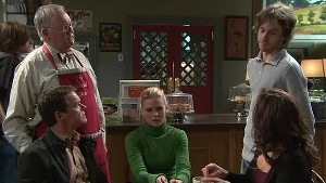Paul Robinson, Harold Bishop, Elle Robinson, Riley Parker, Rebecca Napier in Neighbours Episode 5344