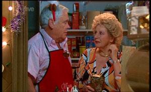 Lou Carpenter, Valda Sheergold in Neighbours Episode 5361