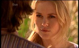 Elle Robinson in Neighbours Episode 5361