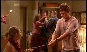 Janae Hoyland, Miranda Parker, Steve Parker, Ned Parker in Neighbours Episode 5362