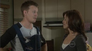 Oliver Barnes, Rebecca Napier in Neighbours Episode 5373