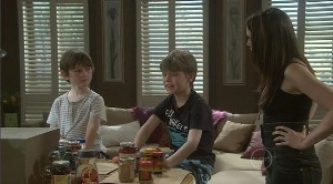 Ben Kirk, Mickey Gannon, Libby Kennedy in Neighbours Episode 5373