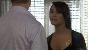 Oliver Barnes, Carmella Cammeniti in Neighbours Episode 5402