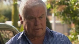 Lou Carpenter in Neighbours Episode 5410