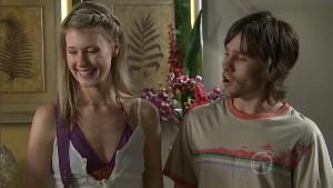 Heather Pryor, Riley Parker in Neighbours Episode 5412