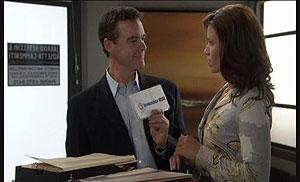 Paul Robinson, Rebecca Napier in Neighbours Episode 5425