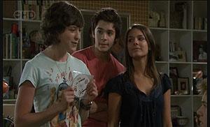 Bridget Parker, Zeke Kinski, Rachel Kinski in Neighbours Episode 5425