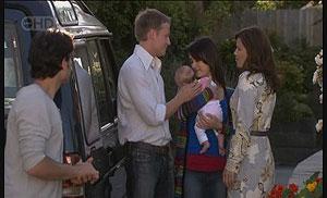 Marco Silvani, Oliver Barnes, Chloe Cammeniti, Carmella Cammeniti, Rebecca Napier in Neighbours Episode 5425