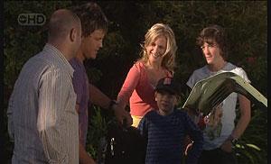 Steve Parker, Ned Parker, Kirsten Gannon, Mickey Gannon, Bridget Parker in Neighbours Episode 5425