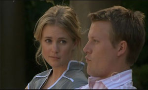 Elle Robinson, Oliver Barnes in Neighbours Episode 5429