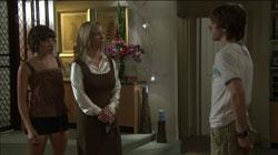 Kirsten Gannon, Riley Parker, Bridget Parker in Neighbours Episode 5432