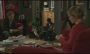 Oliver Barnes, Declan Napier, Zeke Kinski, Elle Robinson in Neighbours Episode 5435