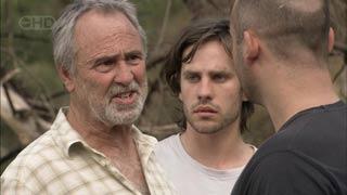 Jim Parker, Riley Parker, Steve Parker in Neighbours Episode 5450