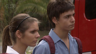 Rachel Kinski, Zeke Kinski in Neighbours Episode 5482