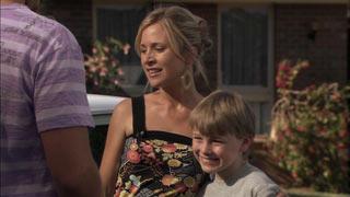 Kirsten Gannon, Mickey Gannon in Neighbours Episode 5485