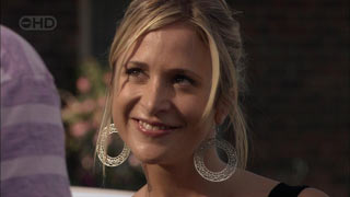 Kirsten Gannon in Neighbours Episode 5485