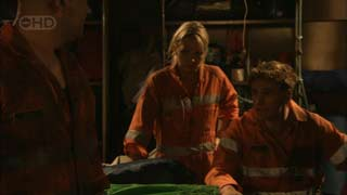 Steve Parker, Steph Scully, Dan Fitzgerald in Neighbours Episode 5486