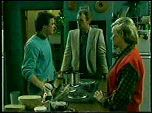 Paul Robinson, Jim Robinson, Helen Daniels in Neighbours Episode 0123