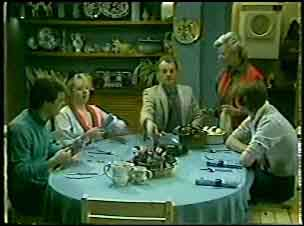 Paul Robinson, Terry Inglis, Jim Robinson, Helen Daniels, Scott Robinson in Neighbours Episode 0123