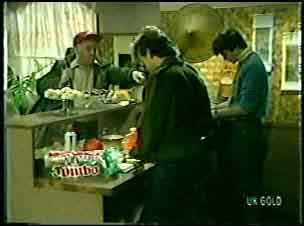 Wally Walters, Simon Walters, Scott Robinson in Neighbours Episode 0123