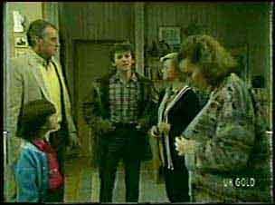 Lucy Robinson, Jim Robinson, Danny Ramsay, Helen Daniels, Julie Robinson in Neighbours Episode 0124