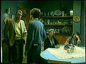 Jim Robinson, Scott Robinson, Helen Daniels, Julie Robinson in Neighbours Episode 0124