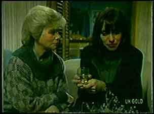 Helen Daniels, Maria Ramsay in Neighbours Episode 0126
