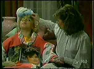 Terry Inglis, Julie Robinson in Neighbours Episode 0126