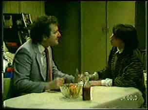 Max Ramsay, Maria Ramsay in Neighbours Episode 0126