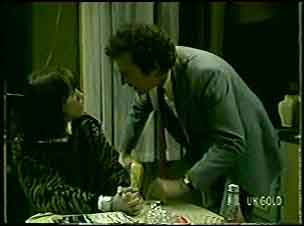 Maria Ramsay, Max Ramsay in Neighbours Episode 0127