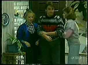 Terry Inglis, Shane Ramsay, Julie Robinson in Neighbours Episode 0127