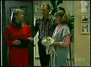 Gwen Simpson, Jim Robinson, Julie Robinson in Neighbours Episode 0128
