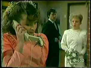 Julie Robinson, Danny Ramsay, Terry Inglis in Neighbours Episode 0129